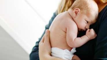 Portage physiologique bébé et nourrissons, blog suisse