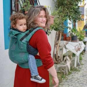 choisir son porte bébé pour la randonnée, avec le préformé nekoslings des belles balades en famille! conseils sur le blog du portage physiologique