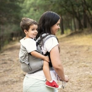 Choisir son porte bébé de randonnée, physiologique, ergonomique