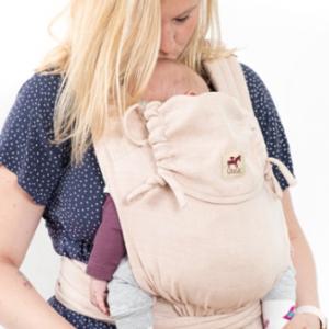 Porter son bébé dès la naissance avec le mysol de Girasol. Un porte bébé physiologique et évolutif, mais aussi vegan