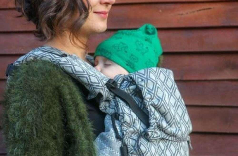 blog Comment choisir son porte bébé pour nouveau né? Retoruvez tous mes conseils de pro monitrice de portage