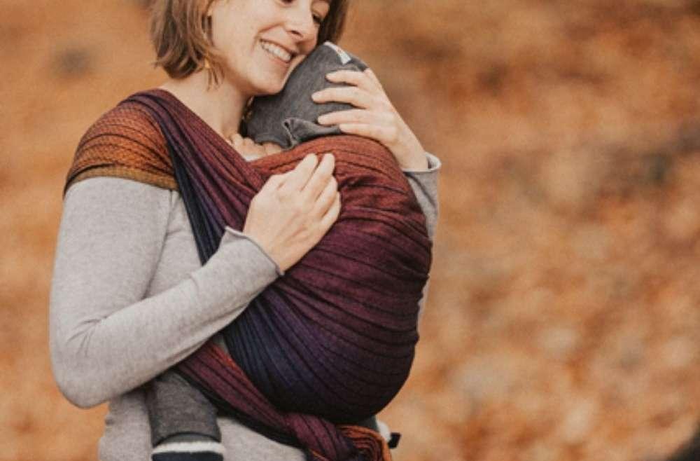 blog portage en écharpe, comment choisir entre écharpe tissée et élastique. Venez découvrir mes conseils de monitrice de portage