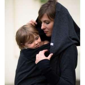 La jaquette de portage Greyse sans inserts! Un hoodie 5 en 1 pour la grossesse, le portage et sans bébé. Livraison en Suisse