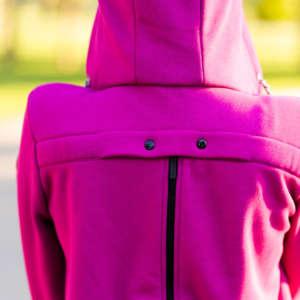 Une veste de portage hoodie pour porter son bébé en hiver! Aussi utiliser lors de la grossesse et pendant la saison fraîche de l'été.